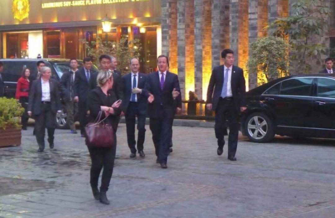 卡梅伦成都火锅店_英国前首相打call,全球600多家分店的火锅来新加坡了!