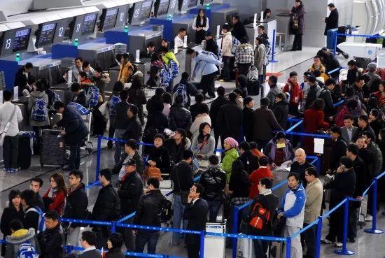 黑科技!在中国坐飞机忘带身份证,用手机就能搞定~