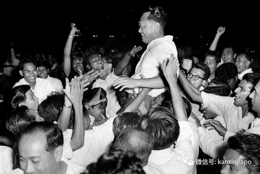 李光耀剥夺他的公民权,现在新加坡还他一条路