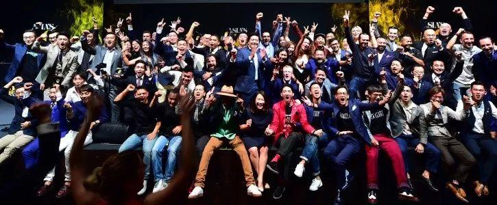 新加坡的这个BAR世界第八,亚洲第一!