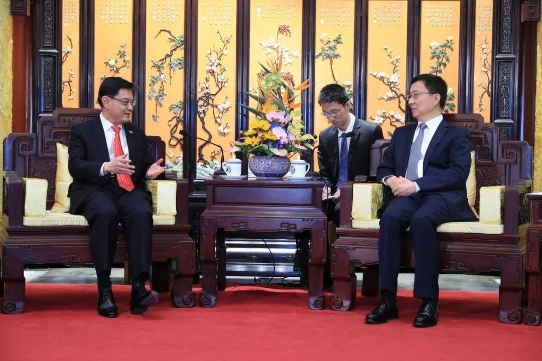 """新加坡""""未来总理""""启程访华,要去这些地方......"""