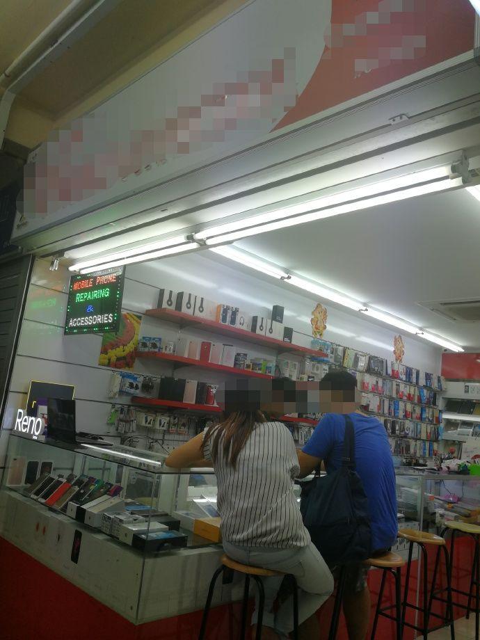 扎心!新加坡小店把我的华为修成了OPPO......