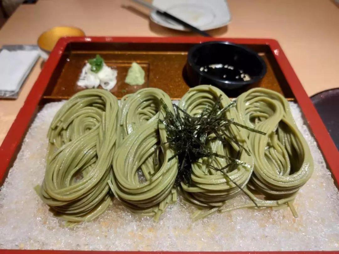 乌节路一个角落里的日式餐厅,据说开业来赔了两百万新币