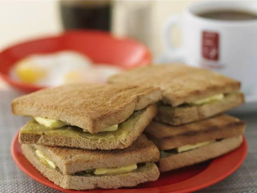 """新加坡推出""""国民早餐""""口味饼干棒,try一下?"""