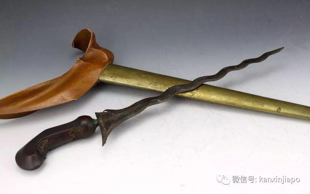 金蛇剑_冷兵器之王的马来克力士剑,曾大规模出现在新加坡 |巴冷刀