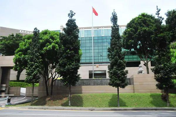 喜大普奔,中国驻新加坡大使馆收费再次下调