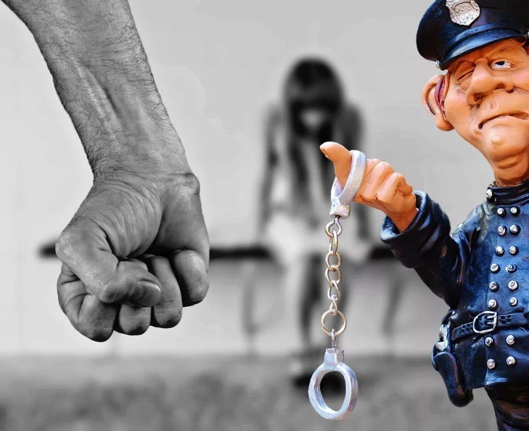 新加坡未成年少女醉酒后遭朋友轮奸40分钟
