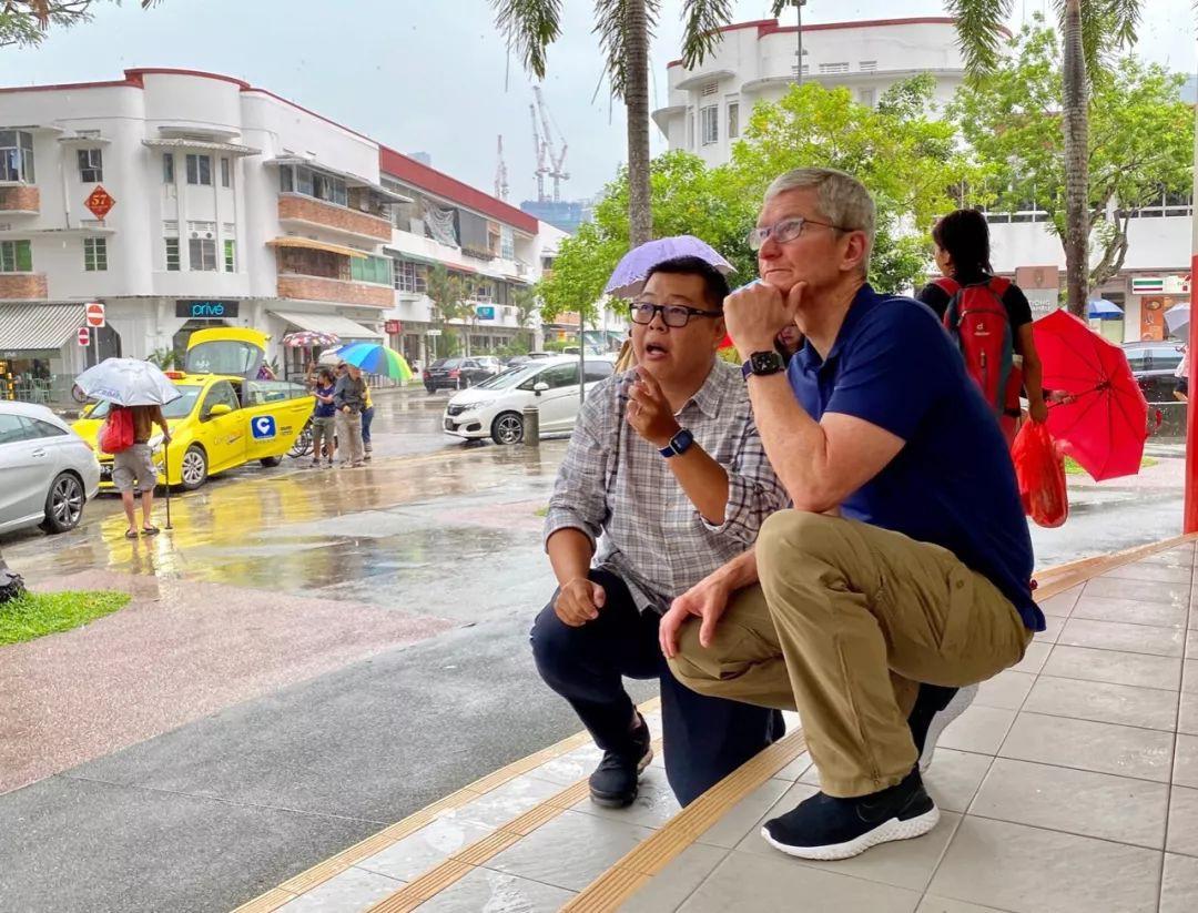 苹果CEO库克空降新加坡,都干了啥?